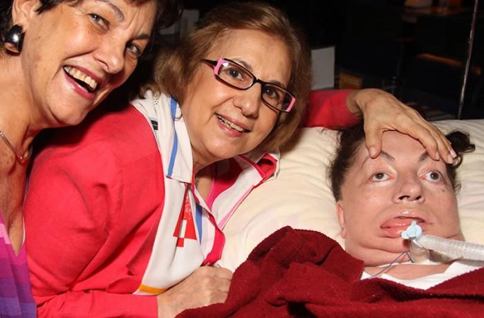Jandyra Viegas, Olga Sandoval e Leide Moreira, em 2010, no show do Ney Matogrosso. Foto de Fernanda Prado.