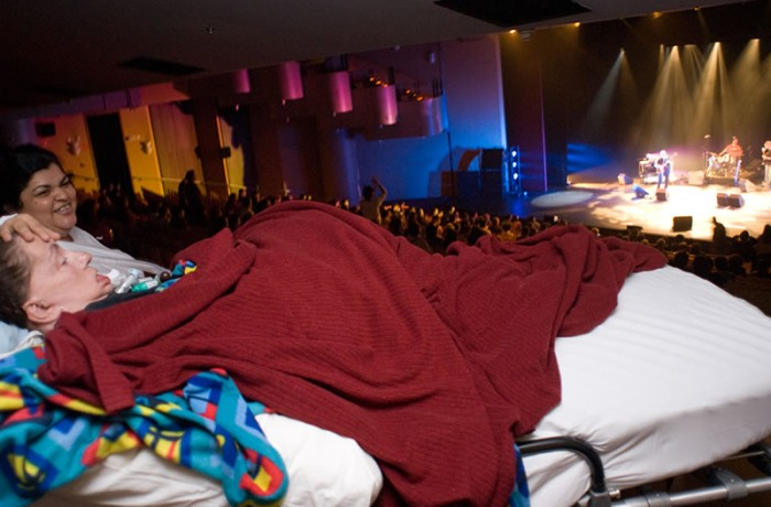 Leide no show do Nuno Mindelis, em 2010, no Sesc Pinheiros em São Paulo. Foto de Claudio Belli.
